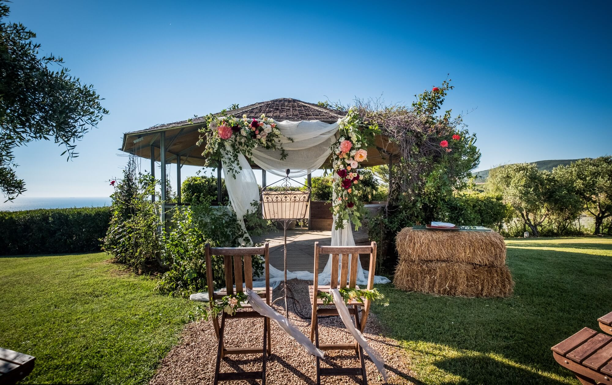 Wedding by the sea on the Tuscany coast, Versilia, Argentario. Giulia Alessandri Wedding Planner, Wedding Design & Wedding Coordination in Tuscany.