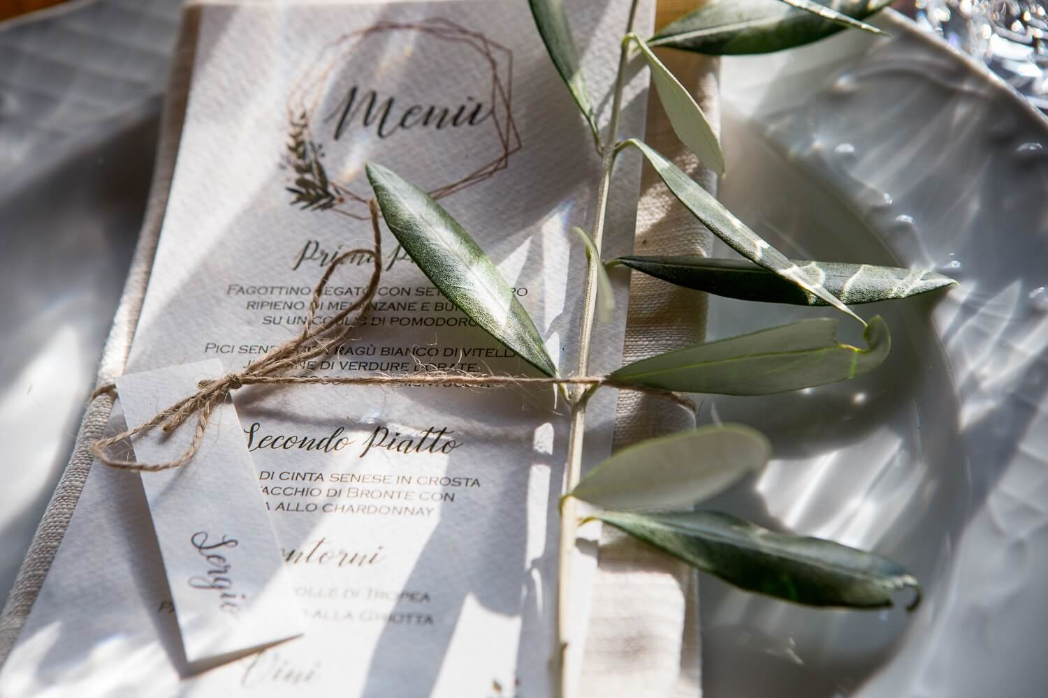 Wedding Menu and placeholders. Coordinated, highly personalized and elegant wedding stationary. Giulia Alessandri Wedding Planner, Wedding Design & Wedding Coordination in Tuscany.