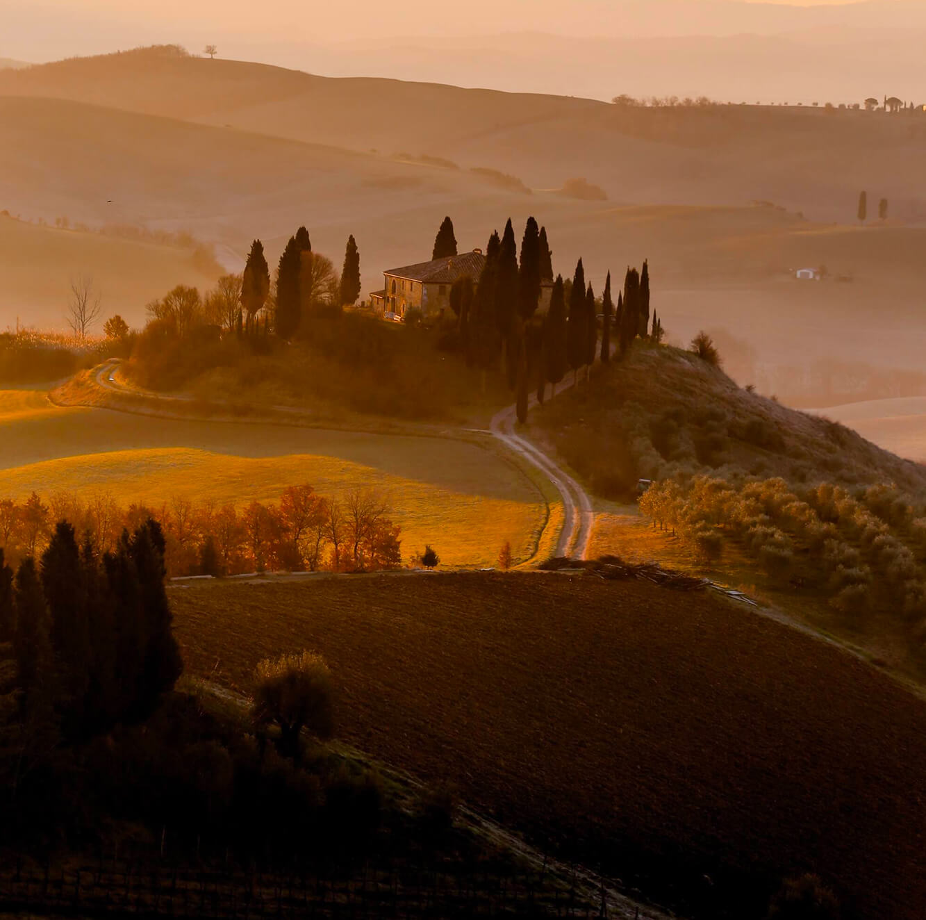 Charming castles and luxury villas for your wedding in Val d'Orcia, Florenze, Siena, Tuscany. Giulia Alessandri Wedding Planner, Wedding Design & Wedding Coordination in Tuscany.