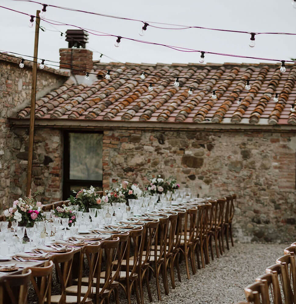 Wedding location search service in Tuscany Florence Val d'Orcia Chianti Siena. Giulia Alessandri Wedding Planner, Wedding Design & Wedding Coordination in Tuscany.